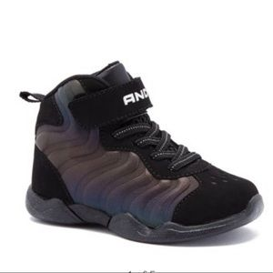 And1 Assist Iridescent Athletic Sneaker